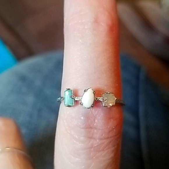 Silver 3 stone ring